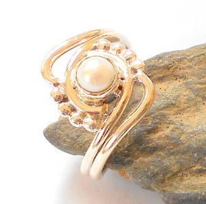 Pearl Sterling Silver Ring Size 7