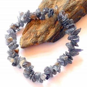 Iolite Chip Stretch Bracelet